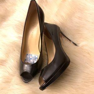 Ivanka Trump Heels Black Size 8.5
